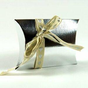 10 STÜCK Gastgeschenk, BUSTA Seta silber, mit Band creme/silber, gefüllt