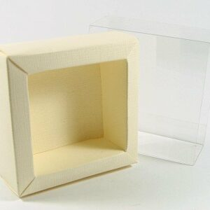 10 Stück Kartonage QUADRETTO Seta elfenbein mit Hülle transparent, 6 x 6 x 3,2 cm