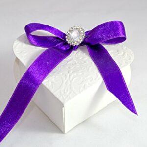 10 x Gastgeschenke 'Violet Heart' Herz weiß, Band lila, Dekobrosche, gefüllt